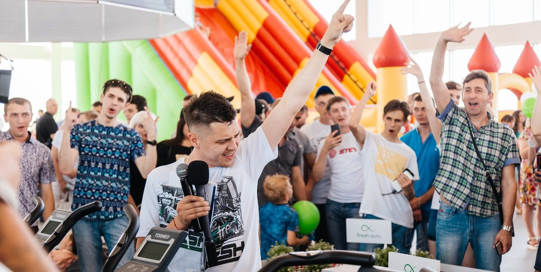500 литров топлива, велогонки, food-шоу, всероссийские соревнования по дрифту – мощнейщий дрифт-фест прошёл в Минеральных Водах!